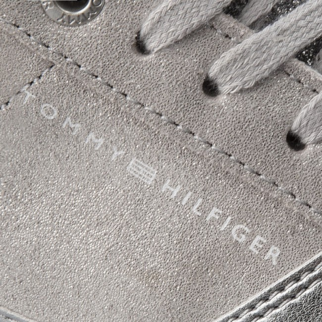 Sportcipő TOMMY HILFIGER - Sparkle Light Sneaker FW0FW03276 Diamond Grey 001 e73d147857
