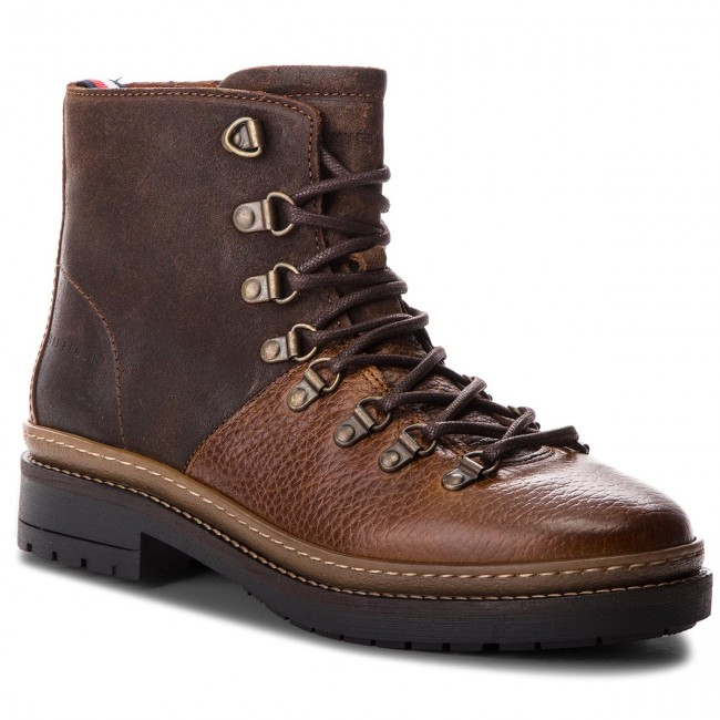 3def7bcdaf Csizmák TOMMY HILFIGER - Elevated Outdoor Hik FM0FM01911 Cognac 606 ...
