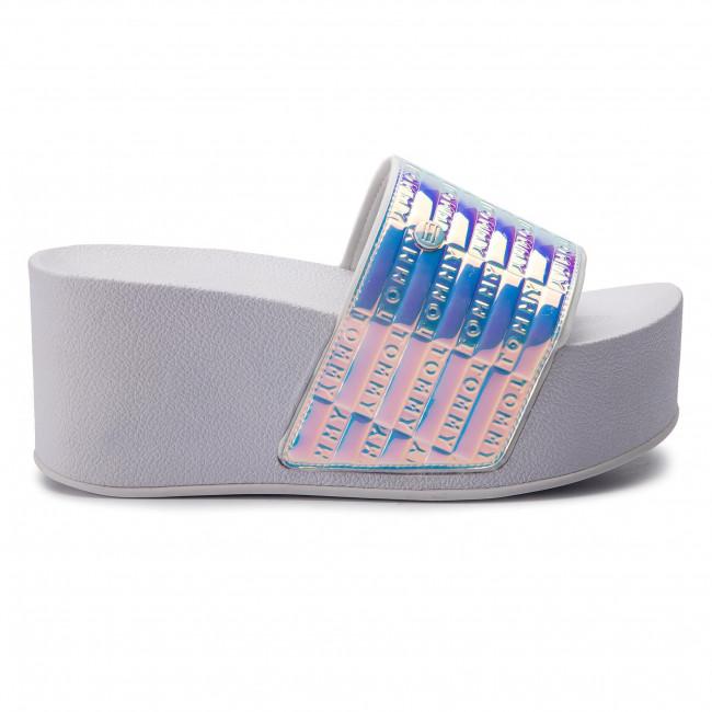 c9082809145f Papucs TOMMY HILFIGER - High Pool Slide Shiny Iridescent FW0FW04059 White  100