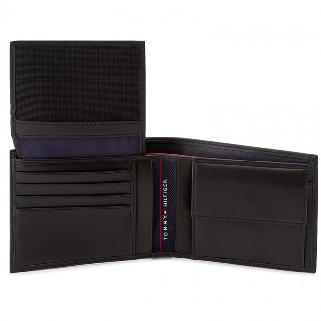 Nagy férfi pénztárca TOMMY HILFIGER - Harry CC Flap And Coin Pocket  AM0AM01259 002 - Férfi pénztárcák - Pénztárcák - Bőrdíszműáruk -  Kiegészítők ... 4777a327d7