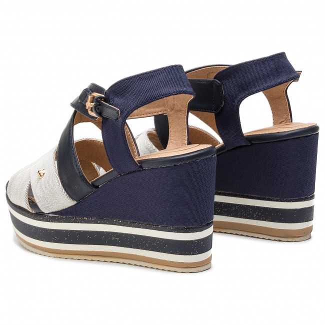 Gyűjtemények Női Cipők Szandál WRANGLER - America Wonder WL91612A White 051 - Magasított sarkú cipők - Papucsok és szandálok - Női TYiWjhnX