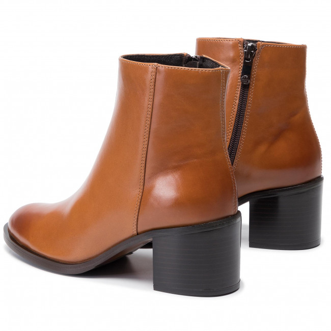 Magasított cipő SOLO FEMME 24716 02 K25000 52 00 Cuoio