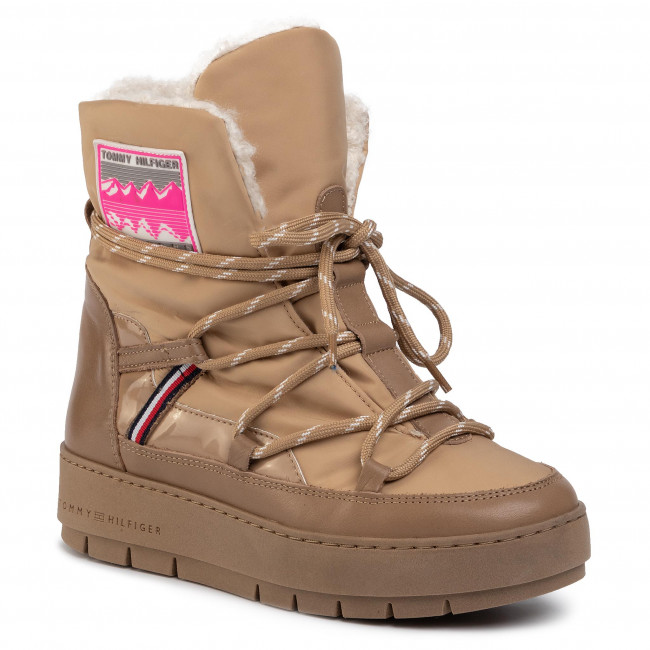 Cipő TOMMY HILFIGER - City Voyager Snow Boot FW0FW04574 Tiger's Eye BRW