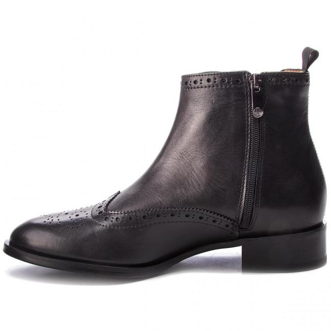 Magasított cipő SOLO FEMME - 33901-02-G85/000-13-00 Fekete - Bokacsizmák - Csizmák és egyebek