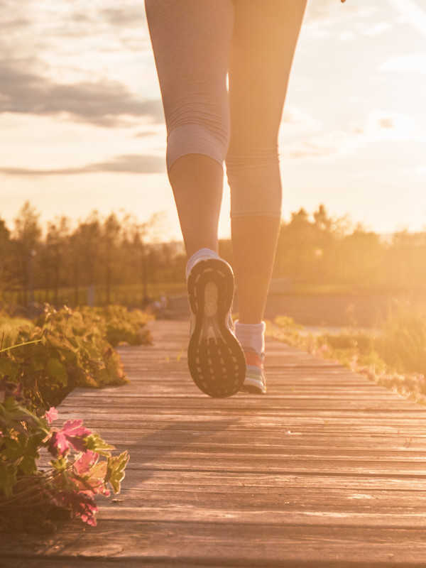 női minimalista futócipő